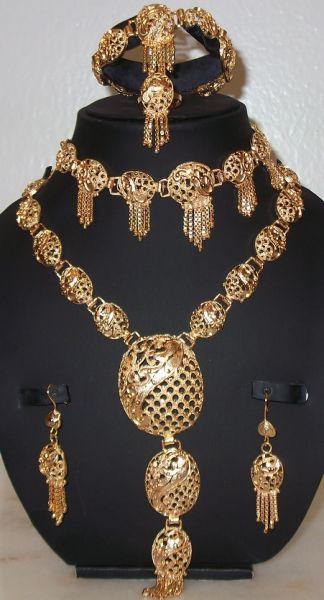 صورة طقم ذهب , اجمل اطقم الذهب للعروس