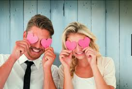 صور كيف تعرف ان شخص يحبك من نظراته , علامات الحب من خلال النظرات