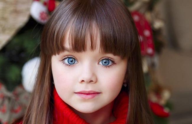 صورة اجمل طفلة في العالم , احلى صور بنت صغيرة جميلة حول العالم 3610 2