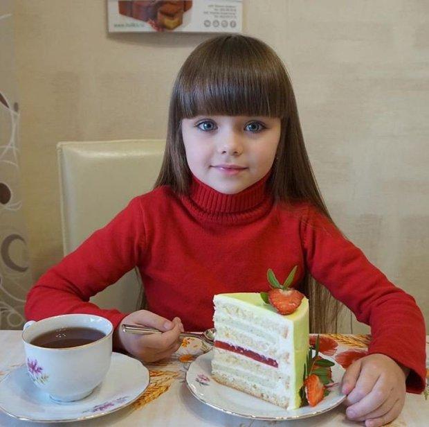 صورة اجمل طفلة في العالم , احلى صور بنت صغيرة جميلة حول العالم 3610 5
