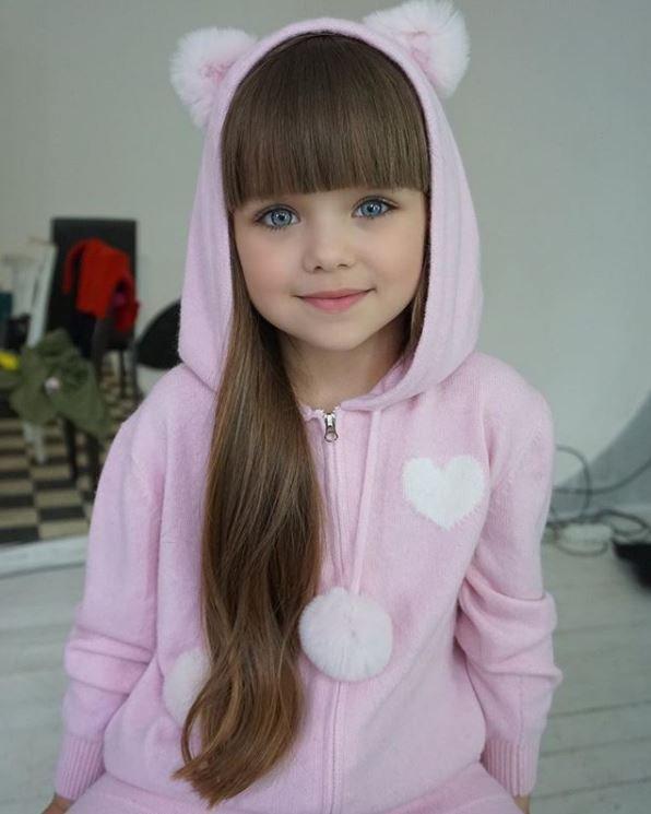 صورة اجمل طفلة في العالم , احلى صور بنت صغيرة جميلة حول العالم 3610 8