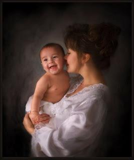 صورة احضان الحبايب , اجمل صور احضان الامهات