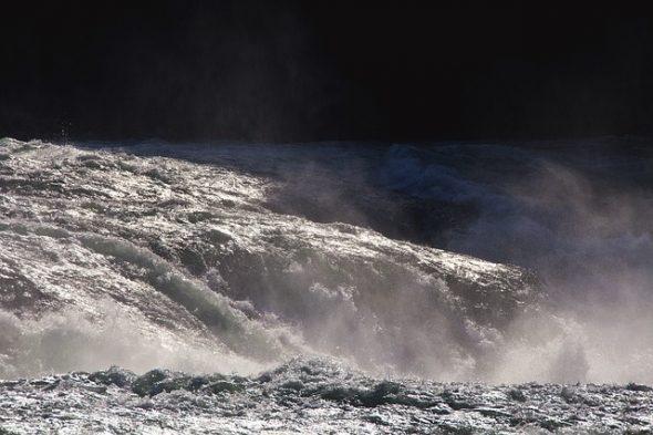 صور تفسير رؤية الفيضان في المنام , اللهم اجعله خير شفت فيضان في المنام