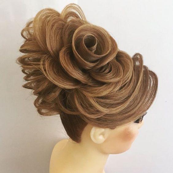 صورة تسريحات شعر مرفوع , تسريحات شعر سهلة وبسيطة جدا 👇 420 11