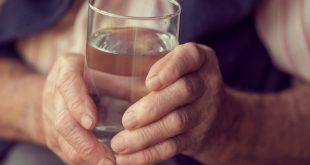 صورة اعراض جفاف الجسم ,مش هبطل شرب مياه
