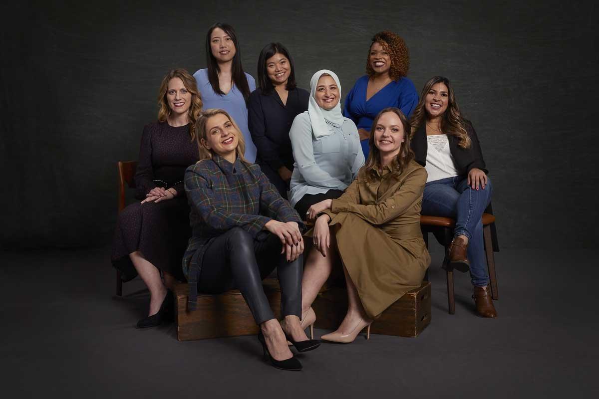 صورة تاتى النساء بالخير , رؤية مجموعة نساء في المنام 7991